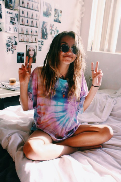tie dye shirt sunglasses dip dye shirt