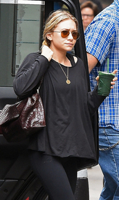 bag,ashley olsen,rayban,top,sandals,necklace,jewels,sunglasses,leggings,shoes