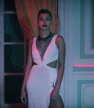 dress cut-out dress cut-out white dress slit dress sexy dress hailey baldwin plunge dress necklace music video