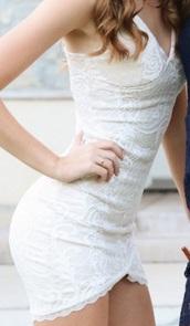 dress,white,floral,bottom of dress,mermaid,short,party,homecoming,formal,lace,v neck,lace dress,plunge v neck,plunge neckline,nordstrom,cut at bottom,cream