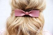 hair accessory,hair bow,bows,dusty pink,blonde hair,hair/makeup inspo,hair adornments