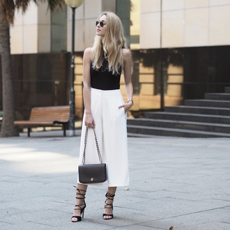 the vogue word blogger shoes jewels bag