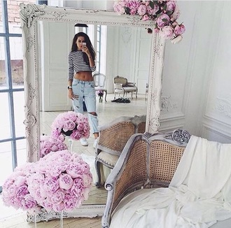 home accessory white mirror flowers tumblr home decor home furniture chic fabulous fashion clean pattern pink holiday home decor