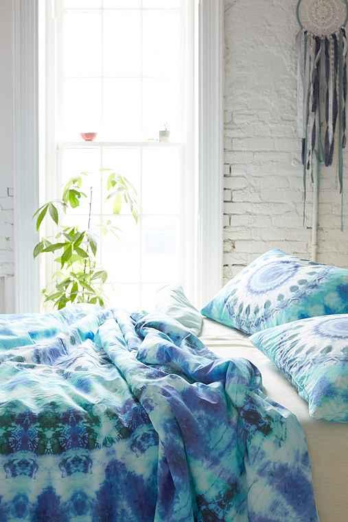 magical thinking dhara medallion duvet cover urban. Black Bedroom Furniture Sets. Home Design Ideas