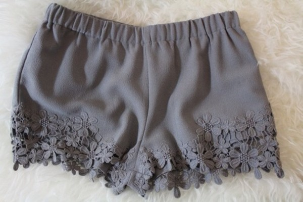 shorts lace flowers