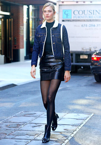skirt tights fall outfits mini skirt karlie kloss model off-duty streetstyle jacket denim jacket fur collar jacket