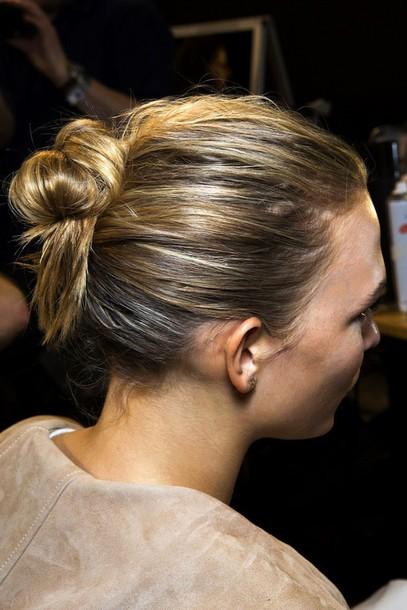 le fashion image blogger bun karlie kloss fashion week 2015