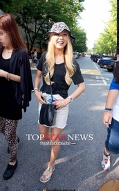 hat,kwon rise,skirt,korean fashion,ladies code,haute couture