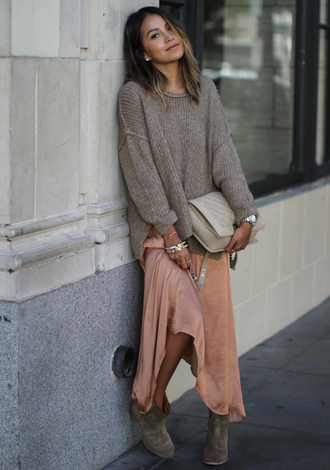 sincerely jules blogger peach silk maxi dress oversized sweater