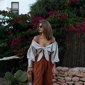 ms treinta,blogger,top,pants,shoes,bag,sunglasses,jewels,tie front,tie-front top,round bag