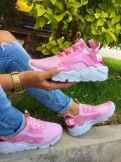 shoes,pink,nike,white,soft,sneakers,comfy,huarache,nike hurraches