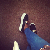 shoes,loafers,black,white,gold,chain,wedges,platform shoes