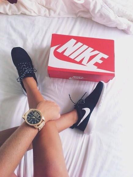 nike nike sneakers nike running shoes black and white sneakers sneakers white nike free run nike air