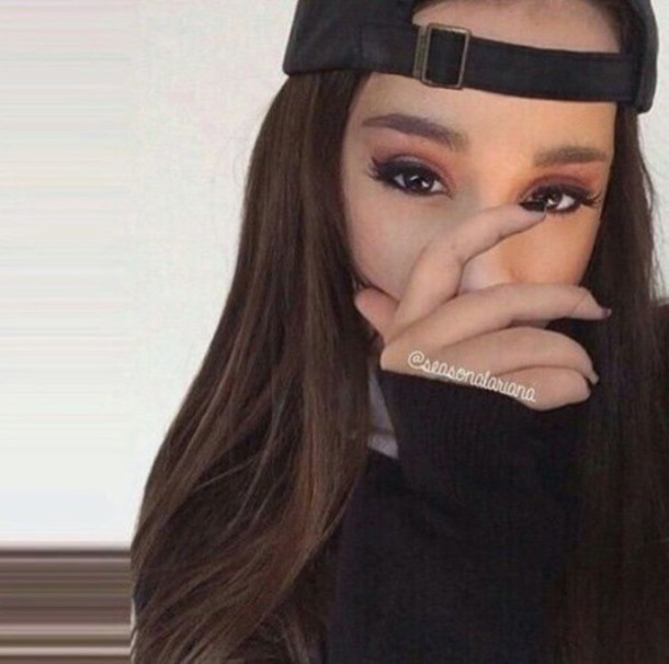 Make Ariana Grande Cute Hat Black Outfit