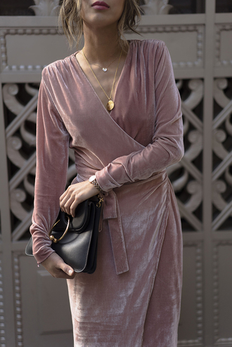 dress tumblr pink dress light pink pink wrap dress v neck v neck dress necklace gold necklace jewels jewelry gold jewelry bag buckle bag black bag long sleeve dress long sleeves velvet velvet dress holiday dress holiday season theclosetheroes blogger