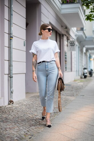 t-shirt tumblr white t-shirt denim jeans blue jeans cropped jeans bag sunglasses work outfits shoes