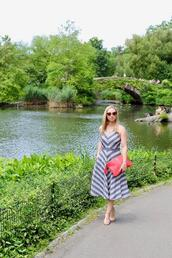 avecamber,blogger,dress,shoes,bag,sunglasses,jewels,red bag,midi dress