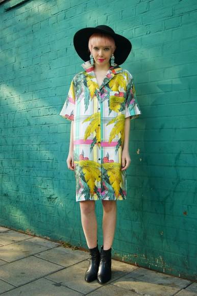 blogger jewels black boots stella's wardrobe tropical earrings