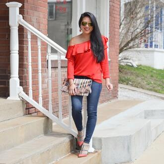 morepiecesofme blogger sunglasses jewels top bag shoes red top clutch valentino rockstud spring outfits