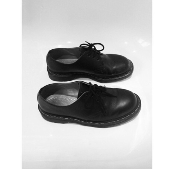 shoes black DrMartens
