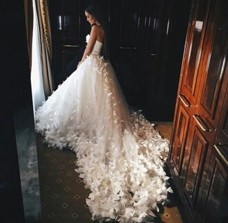 dress wedding dress white dress prom dress princess dress homecoming dress beyonce dress bridal gown vintage wedding dress white floral wedding flowers lace wedding clothes lace dress tumblr instagram white dress wedding dress strapless