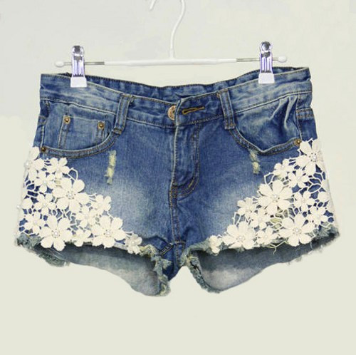 Pearl lace flower shorts