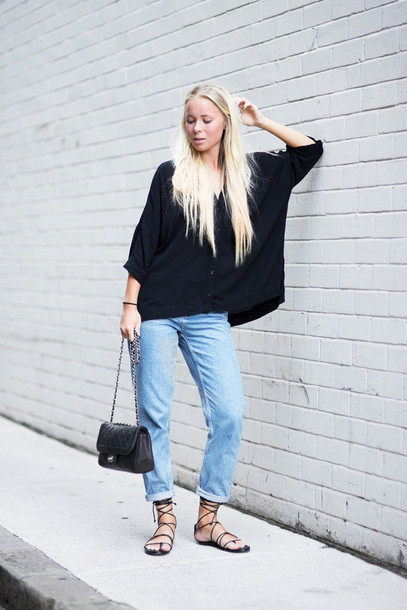 victoria tornegren blogger sandals mom jeans oversized sweater black sweater flats bag blouse jeans shoes strappy sandals