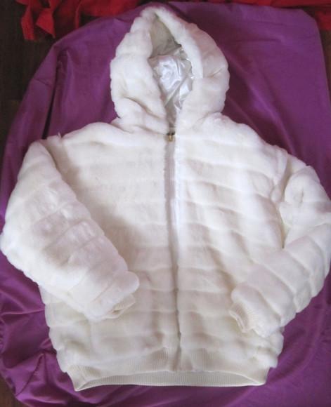 jacket fur faux fur faux fur coat white fur winter outfits