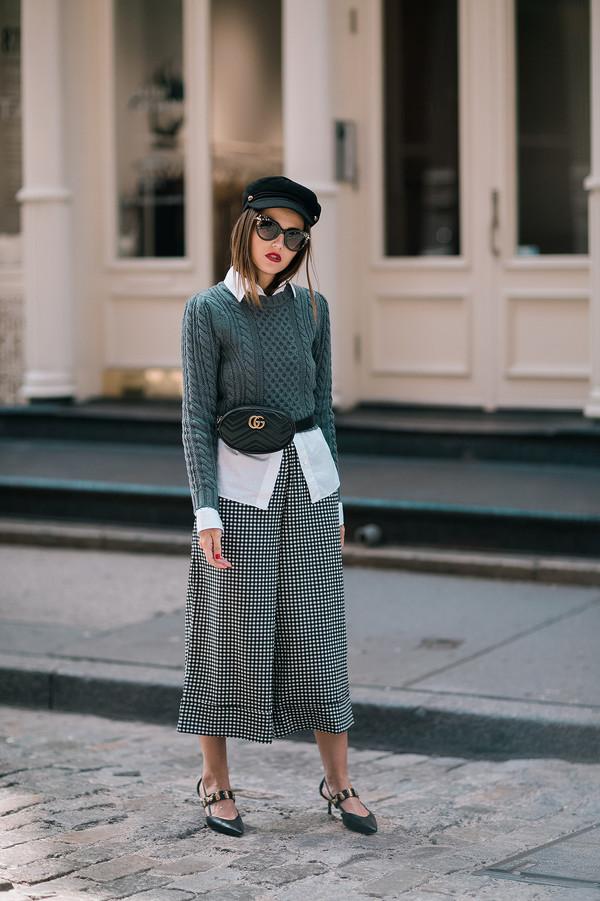 b7e7a4a42a60 bag hat tumblr black bag gucci pants cropped pants culottes sweater grey  sweater fisherman cap shirt