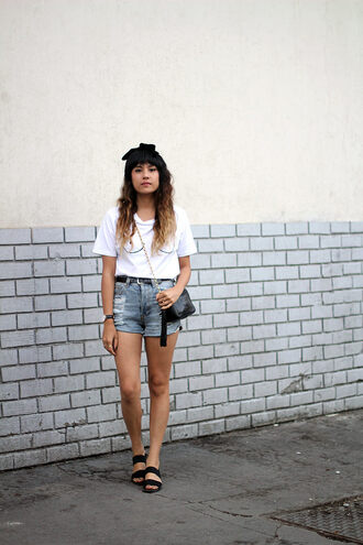 joellen love blogger white t-shirt denim shorts flat sandals