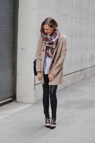 see jane blogger camel coat black heels tartan scarf