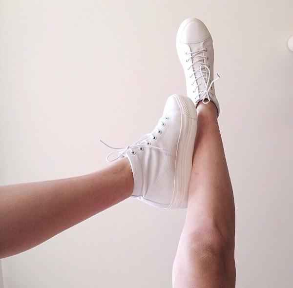 shoes white platforms white platform sneakers white sneakers sneakers high white