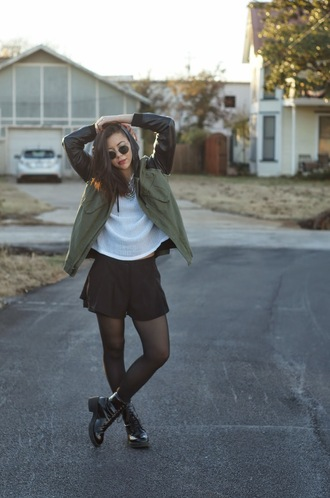 blogger khaki sunglasses top jewels parka simply hope style shorts combat boots