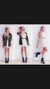 jacket,camouflage,dress,sunglasses,belt,shoes