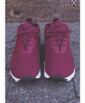 shoes,nike,burgundy,sneakers