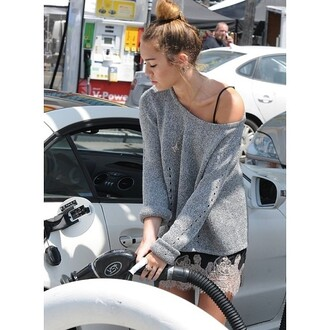 sweater miley cyrus grey knitted sweater lace dress dress jewels necklace skirt