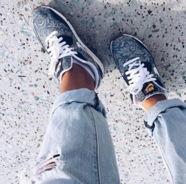 shoes air max nike air max 90 sneakers nike running shoes nike air nike sneakers victoria's secret nike air max 1 nike air max 1 blue flowers nike jewels nike shoes nike air max 90