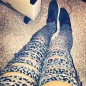 pants,rip,leopard print,jeans,fashionista,teenagers