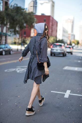 dress black shoes platform shoes tumblr gingham gingham dresses asymmetrical shirt dress shoes bag black bag