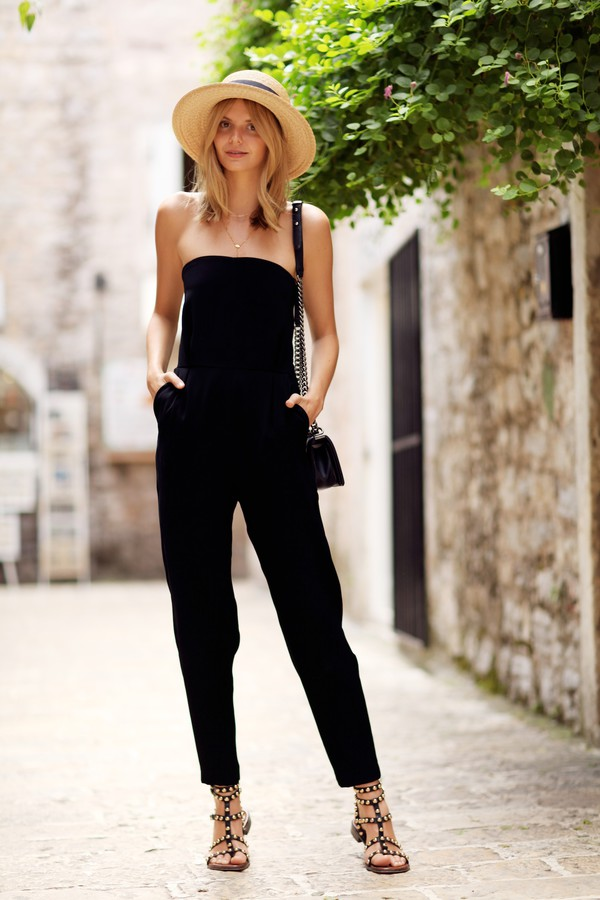 tuula blogger jumpsuit shoes jewels