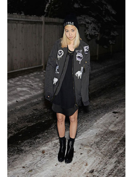 jacket grey oversized black boots beanie grunge black patch