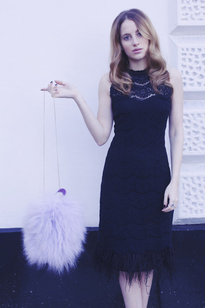 at fashion forte blogger make-up black dress fluffy lilac pastel bag