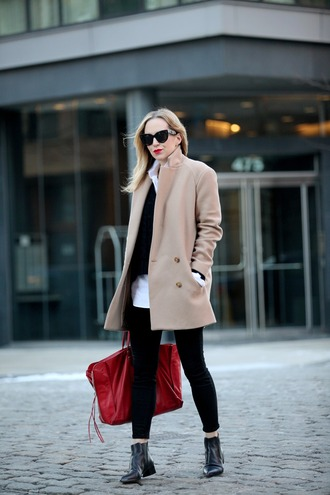 brooklyn blonde blogger classy maxi bag red bag camel coat ankle boots