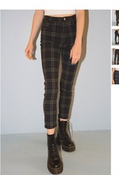pants,mackenzie ziegler,Maddie ziegler,vintage,highwasted bottoms,checkered,skinny pants