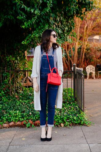 kendi everyday blogger long cardigan red bag mini bag denim overalls