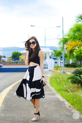 kryzuy t-shirt sunglasses skirt jewels shoes bag