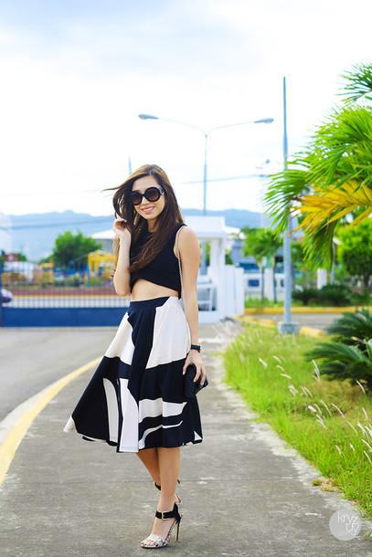 kryzuy t-shirt sunglasses skirt jewels shoes bag
