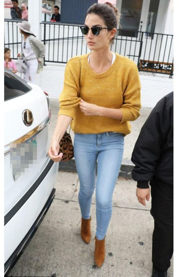 lily aldridge model off-duty ankle boots mustard skinny jeans shoes