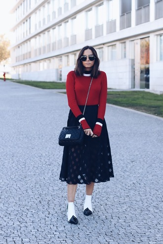 sweater black skirt tumblr red sweater skirt midi skirt boots ankle boots white boots bag black bag
