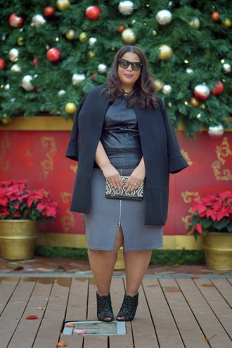 garner style blogger top skirt jacket sunglasses grey skirt curvy peep toe shoes